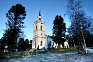 Lidens kyrka - centralpunkt i en bygd rik på berättelser.
