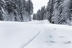 Snöläget på vägarna i Lostrakten kan skilja rejält i jämförelse med Ljusdal och Edsbyn. Därför borde Los med sina speciella väderförhållanden finnas med på väderkartan enligt bygderådet.