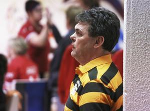 Jahn Radgren, lagledare i Bollnäs BC, såg sina damer tappa mot slutet.
