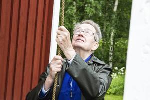Lars Tottie har traditionsenligt ringt in dagen i flera år.