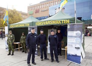 Carl-Åke Nilsson, David Nyberg, Max Eriksson och Björn Englund värvade folk till hemvärnets nya pluton.