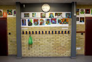 Totalt är runt 100 lärare landet över nominerade till årets Guldäpple. Tre av dessa personer är lärare i Hälsingland.