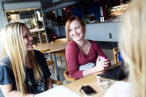Frida Bolin, Sabina Lindström och Felicia Andersson avbryter pluggandet för att ge Söderhamn ett bra betyg som ungdomskommun.