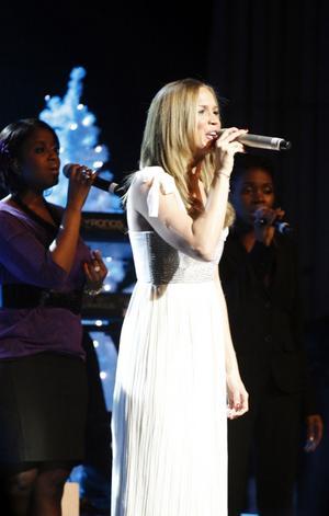Marie Serneholt sjöng på svenska för ovanlighetens skull, bland annat