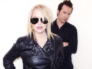 Da Buzz består i dag av Annika Thörnquist och Per Lidén. Tidigare medlemmen Pier Schmid är inte längre med.