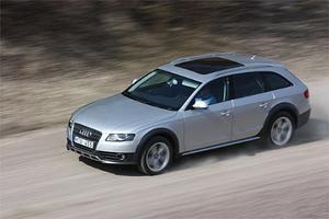 En aning höjd och försedd med svart gummiinklädnad nedtill. Så skiljer sig Allroad i korthet från vanliga Audi A4 Avant.