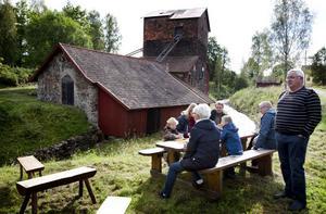 I fyra år har hyttan varit stängd för besök, men efter omfattande förstärkningsarbeten kan kommunen ånyo erbjuda guidade turer. Kommunens förhoppning är att göra Flatenbergs hytta till ett