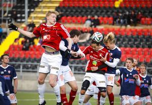 Arkivbild. Jonathan Lundbäcks nickade in 1–0 till IFK borta mot Piteå. Men norrbottningarna vände och vann.