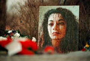 Fadime Sahindal är en av många kvinnor i Sverige som fallit offer för hedersrelaterat våld. 2002 mördades hon av sin far, som senare fälldes för dådet. BILD: PONTUS LUNDAHL /SCANPIX