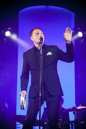 Magnus Carlsson från Weeping Williows uppträder på Gamla Teatern 27 december under en välgörenhetskonsert mot cancer.