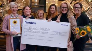 Solrosen-vinnare 2017: Sofia Andersson, Helena Ahlbom, Ann Matti-Andersson, Jessica Mustonen, Åsa Parat och Carolina Windahl från avdelning 6 på kirurgkliniken.