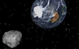 Asteroiden 2012 DA14 passerar jorden i en simulering från NASA. I går var den som närmast. foto: nasa/jpl-caltech/ap/scanpix