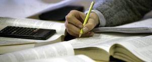 Om du vill ta tjänstledigt för att studera är arbetsgivaren skyldig att bevilja det, enligt lag.