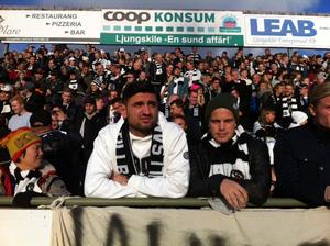 Ilir Berisha och Emil Berger i ÖSK-klacken.