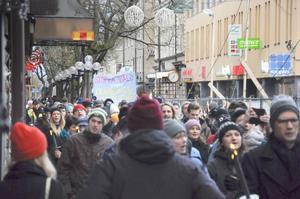 Människor med olika bakgrund samlades under en gemensam paroll mot nazism.