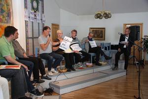 FOTO: MATS LAGERSven Jansson höll i utfrågningen av panelen under rättvisecaféet i Johannesgården i söndags.