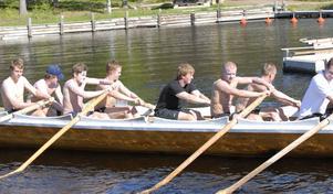 Mora IK:s hockeykämpar har i helgen haft ett läger, där bland annat kyrkbåtsrodd ingick i programmet.