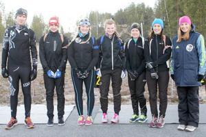 Hela gänget från Nya Zeeland; Tristan McKenzie, 17, Paul Wright, 15, Olivia Thomsoni, 18, Alex Thomson, 16, Ashleigh Trainor, 21, Katerina Maluschnig, 18 och Nadine Cagney, tränare.