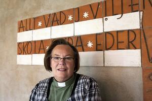 Ett stort antal människor kommer till kyrkan med sina ekonomiska bekymmer, berättar Siri Eriksson.