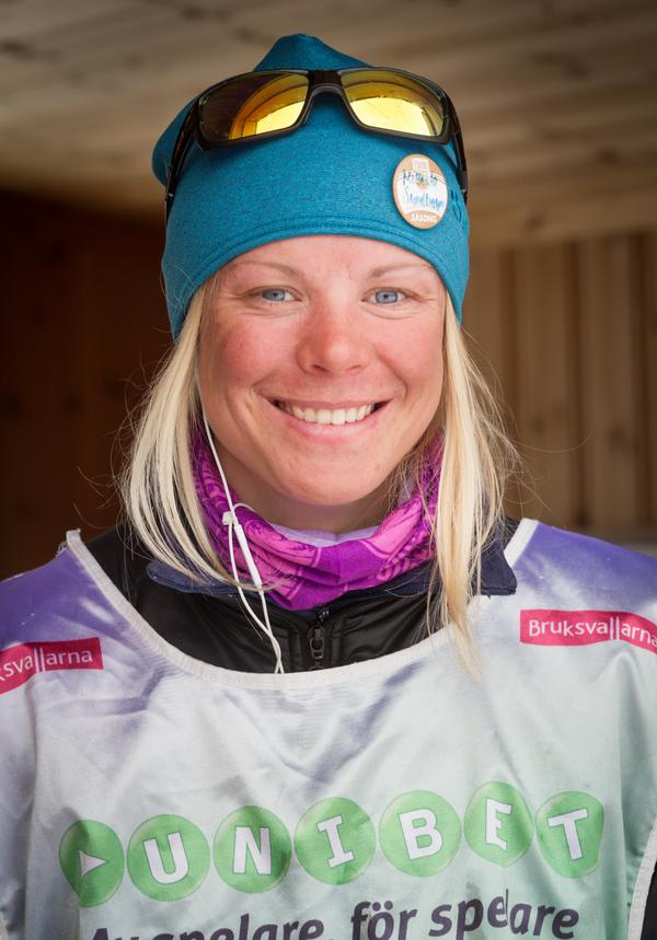 – För mig är skidåkning längdåkning. Mitt driv och min glöd finns i längdåkningen, säger Mikaela Sundbaum.