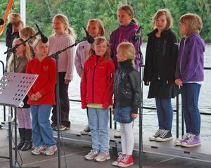 Leksands Musikskolas barnkör sjöng bland annat Tutti frutti.