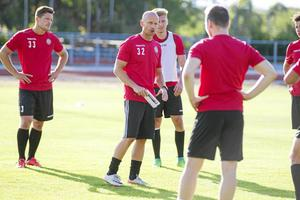 KFF-tränaren Tony Andersson inser betydelsen av ödesmatchen mot Adolfsberg – en match som Sporten sänder.