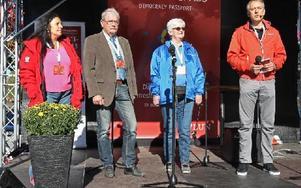Faluns demokratiråd presenterade sig. Anna Fält (S), Carl-Erik Nyström (C), Christina Haggren (M) och Bruno Kaufmann (MP). Foto: Curt Kvicker