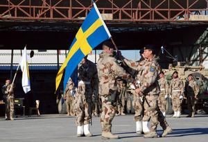 De svenska soldaterna har nu lämnat Afghanistan, men kvar är fortfarande ett tjugotal tolkar som hjälpte den svenska kontingenten på fältet.