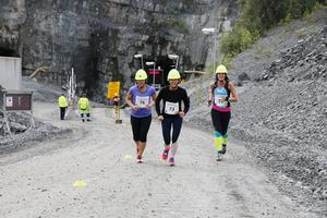 Upp ur gruvan sprang Åsa Schwaiger, Susanne Wallon och Marie Wallin, tillbaka i dagsljuset efter Run of Mine.