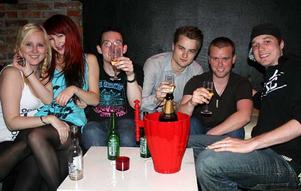 Konrad. Jenny, Bella, Jocke, födelsedagsbarnet David, Kristoffer och Fredrik