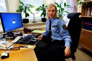 Eva Jagebo Bonnerud tycker det är märkligt och djupt beklagligt att ingen gjorde en polisanmälan på en vecka.