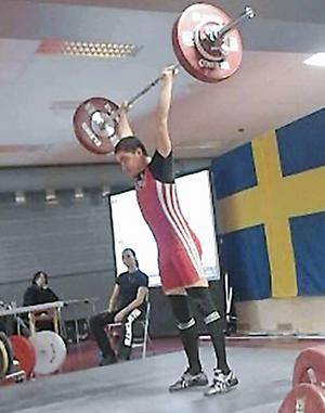17-åriga Johan Henriksson tog guld och kvalade in till stora SM.