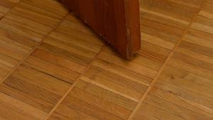 Golvet i original var en av anledningarna att de köpte lägenheten.
