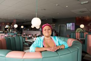 Malin Överby är ägare av vägkrogen Pink ladies.