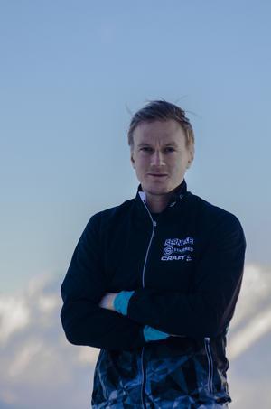 Martin Holmstrand framhåller möjligheten för vanliga motionärer att stå på startlinjen med världseliten.