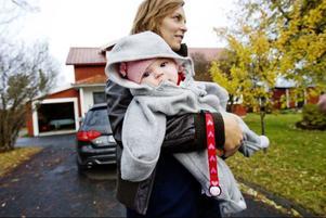Susanne Hallgren tycker att bostadspriserna är sjukt höga i Östersund. Men om det handlar om en bubbla eller när smärtgränsen är nådd är förstås svårt att säga.