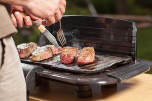 Med en bra elgrill blir köttbitarna lika lyckade som på en kolgrill, minus den rökiga smaken förstås.