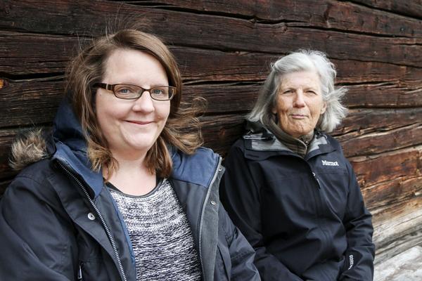 Catrine Tengqvist och Gunilla Lundhall är två av nyckelpersonerna bakom hembygdsföreningens framgångar. Ett fint pris har de redan fått och nu har de chans på ytterligare ett.