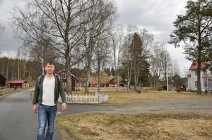 """Pilgrimsleden går precis utanför Ruben Heijloos tomt. I morgon börjar han sin vandring. """"Jag hoppas att träffa många människor och att jag kan upptäcka vem mannen var som gick precis här utanför"""", säger han."""