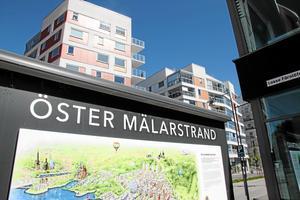 Att Öster Mälarstrand saknar busstrafik är en miss i planeringen, enligt skribenten.