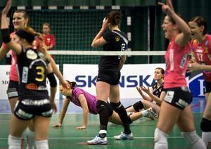 Örebro Volley föll med 0-3 mot serieledande Engelholm.