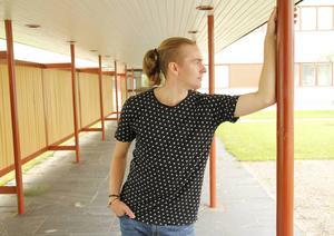 Erik Skoglund är lärare på Dansoteket när han inte själv gör egna föreställningar.