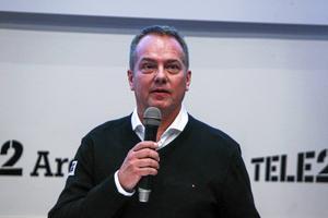 Per Selin är ligachef i elitserien och menar att det är svårt att få in fler än två matcher i åttondelarna.