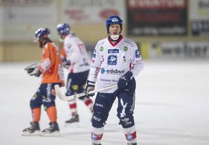 Fredrik Åström i en match mot Bollnäs i februari i år, strax efter den oväntade comebacken.
