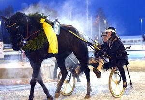 On Track Piraten, Johnny Takter och Maja Bäckman efter segern på Romme.