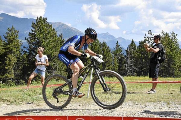 Tommy Olsson tog hem SM-guldet i H50-klassen i mountainbike.