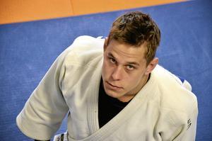 För Frövi Judo. Jonathan Fagerhill, Nordisk mästare på Island för två veckor sedan graderade sin nivå till svart bälte.