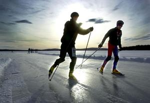 Under lördagen invigs nya skridskobanor på sjön Hämmen utanför Svabensverk.