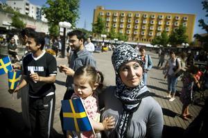 Vi bor i Sverige och har svenskt pass med ses ändå inte som svenskar, skriver Mohammed.