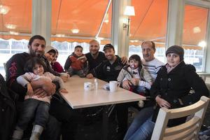 Tre syriska familjer som kom till Alfta Quren för två veckor sedan.
